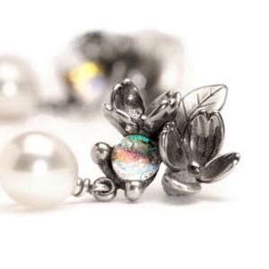 TAGEA-00001 Orecchini Fiori e Perle