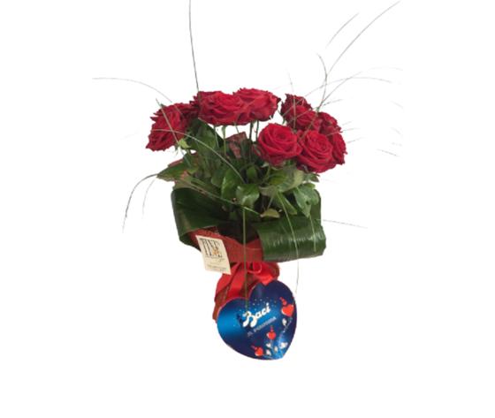 12 rose rosse con cuore perugina  %e2%82%ac 115