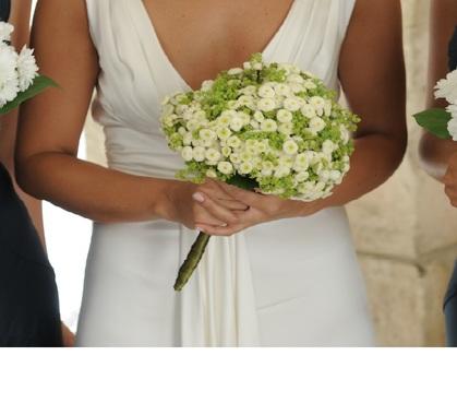 Bouquet rotondo a palla bianco e verdino