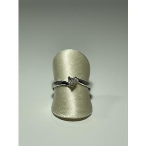 Anello con cuore di diamanti in oro 18 kt