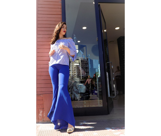 Pantalone blu a zampa 1