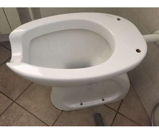 Sedile Wc Copriwater per modello Older a terra Disabili marca Ponte Giulio anello aperto con coperchio