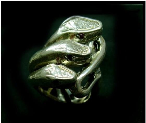 008 anello tre serpenti