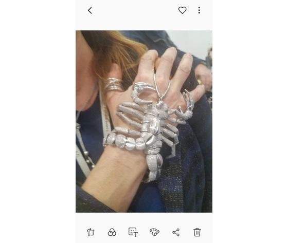 Scorpione bracciale