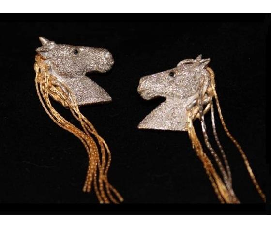 029 orecchini cavallo