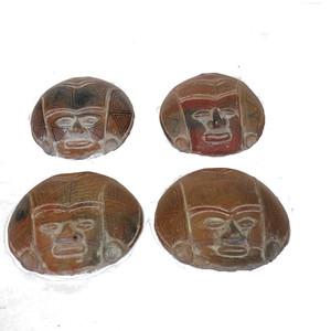 Gecas Regali dal mondo Maschera Terracotta Ecuador Misura Circa D.15 cm.