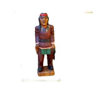 Gecas Regali dal mondo Statua in Legno di Acacia PELLEROSSA H65 cm.