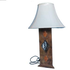 LAMPADA TRIANGOLARE IL LEGNO H. 70 CM. 1IN1515