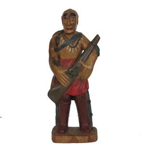 Gecas Regali dal mondo - .Statua PELLIROSSA in Legno Acacia H.50CM