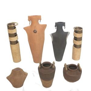 Gecas Regali dal mondo - Lotto 15 Composto da 42 vasi in Terracotta