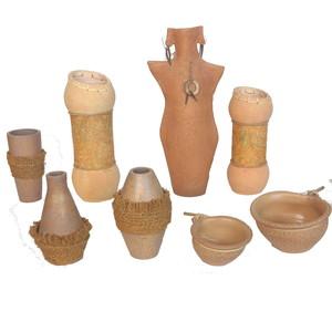 Gecas Regali dal mondo - Lotto 17 Composto da 54 vasi in Terracotta filippina
