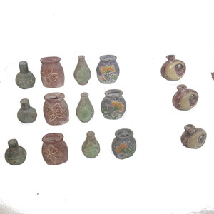 Gecas Regali dal mondo - Lotto 19 Composto da 30 Set di 3 vasi in Terracotta