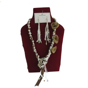 Gecas Regali dal mondo - Parure Perline Nastri Misura L.50 cm