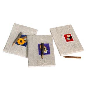 Gecas Regali dal mondo -Set di 3 Quaderni Carta Saa Misura 13 x 18 cm