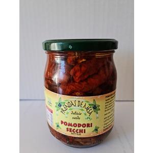 Pomodori sott'olio coltivati in Sardegna.