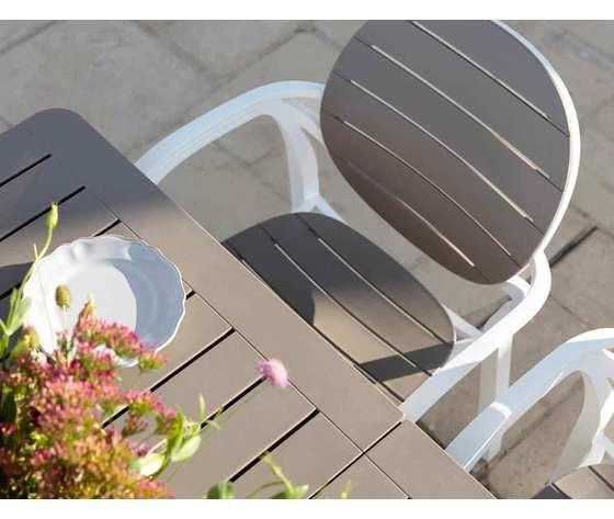 1489077221 set tavolo alloro 140 con 6 sedie palma ambientazione 1jpg