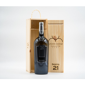 Sauvignon Magnum Sesto 21 with handcrafted wooden box