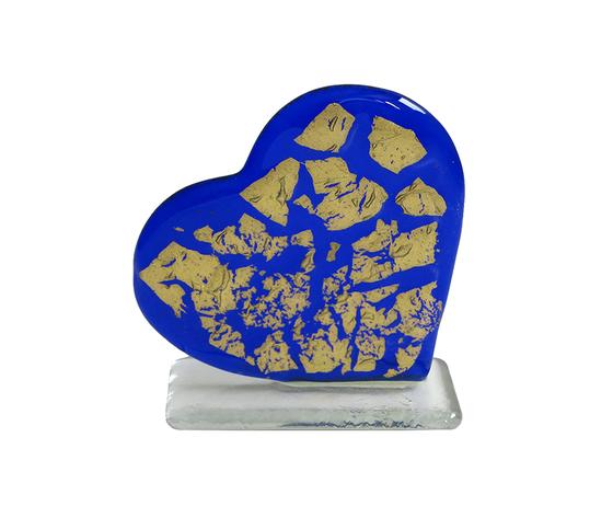 Cuore oro steso blu