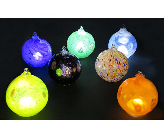 Gruppo sfere luminose accese