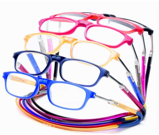 Clic flex magnetic reading eyeglasses