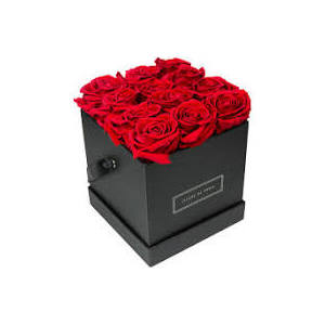 SUPERLATIVO flower box di rose rosse extra