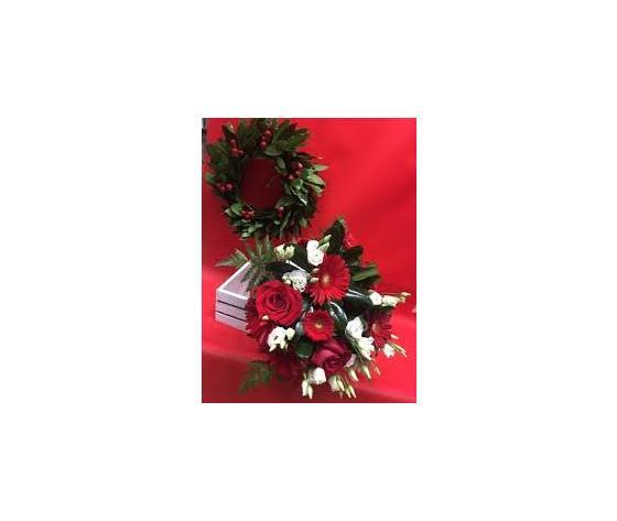 Coroncina alloro con bouquet rosso a gusto del fiorista