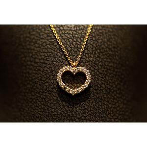 """Ciondolo """"Cuore"""" in oro e diamanti"""