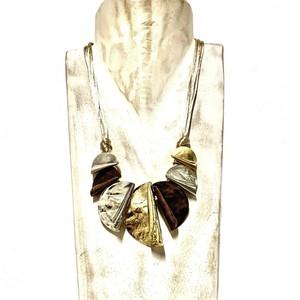 Collana in ottone creata a mano made in Italy con cotone beige