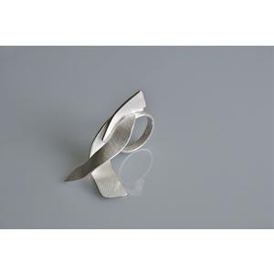 Onde, GIOIELLO SCULTURA, anello handmade, creazione d'arte in argento