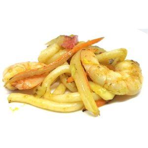 Spaghetti udon con frutti di mare