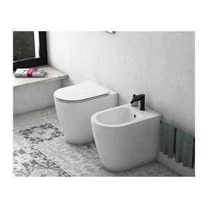 Vaso + bidet Mode a terra della Globo bianco lucido con sedile soft close
