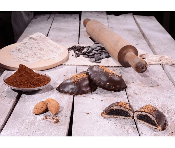 Cassatella ricoperta di cioccolato