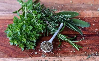 Essicare erbe aromatiche01 min