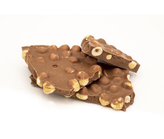Cioccolato a pezzi al latte e nocciole tostate %282%29