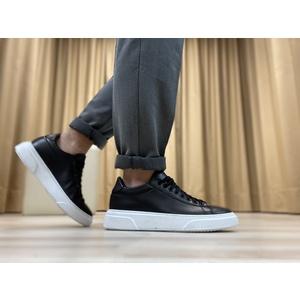 Sneakers in vera pelle col. Nero