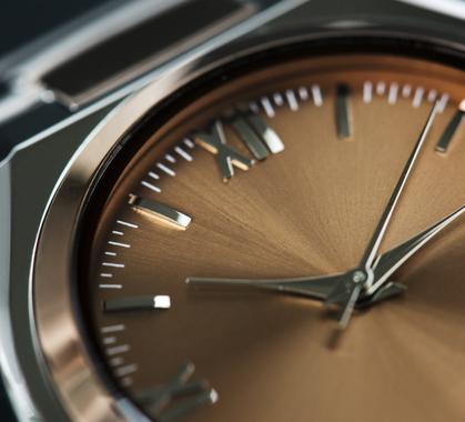 Closeup of watch p6wqnr8