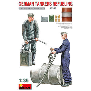 GERMAN TANKERS REFUELING WWII MILITARY MINIATURES SERIES MINIART