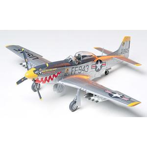 NORTH AMERICAN f-51D MUSTANG KOREAN WAR TAMIYA 1/72