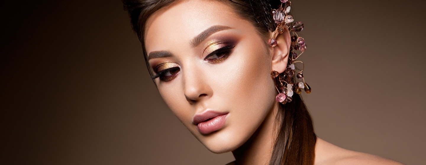 Jewelry model beautiful makeup hairstyle face 585552 1280x853