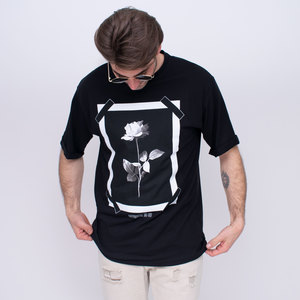 T-shirt con stampa g/collo