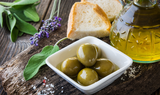 Olives and olive oil p844mrt