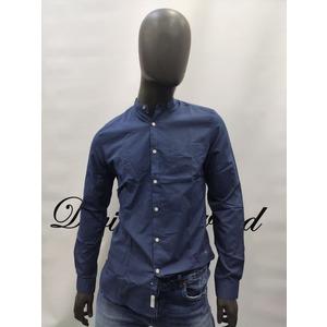 Camicia InMyHood con collo alla coreana. Vestibilita' Slim-fit.