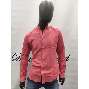 Camicia InMyHood con collo alla coreana. Modello sagomato.Vestibilita' slim-fit