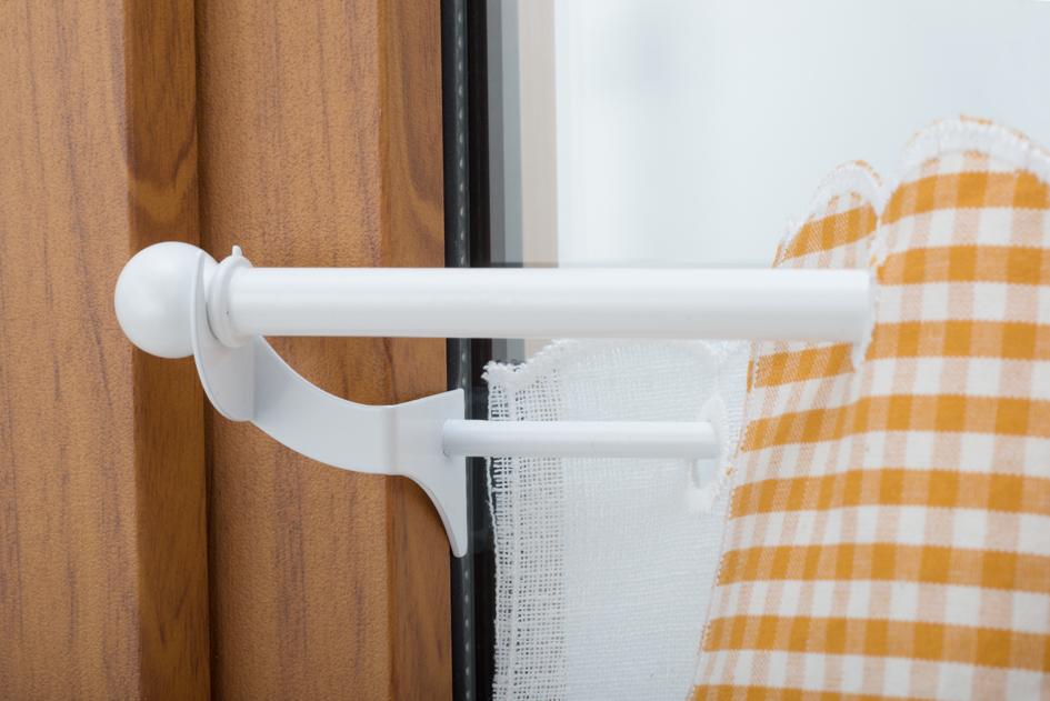 Bacchetta reggitenda a pressione stop ai fori nel serramento beri bernardo e c snc - Aste per tende finestre ...