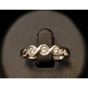 Anello Trilogy Oro Bianco e Diamanti