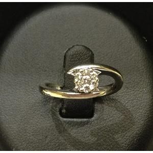 Anello Solitario Fiore Oro Bianco e Diamanti
