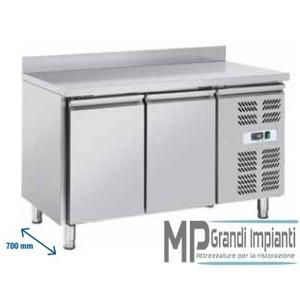 Tavolo refrigerato inox con alzatina 2 porte 136x70x96