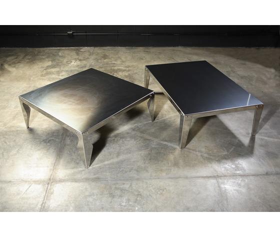 Tavolini in acciaio