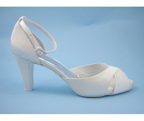 Scarpe Da Sposa Tacco 5 Cm.Scarpa Da Sposa Osvaldo Pericoli Sandalo In Raso Seta Avorio