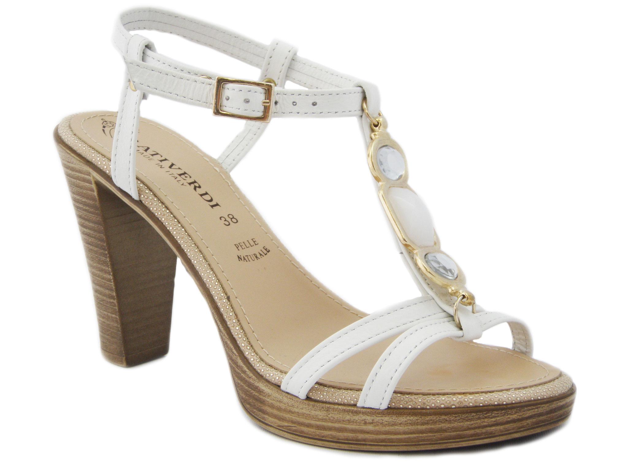 Sandalo gioiello con accessorio in metallo e pietre color BIANCO oro -  TACCO 10cM. e plateau 1 f55edd64708